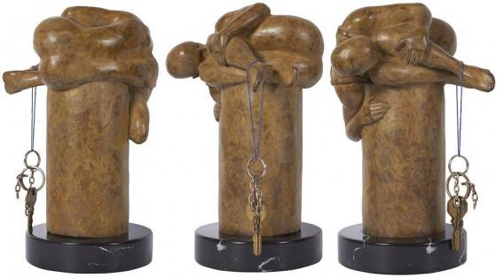 2010, Álvaro Zardoni, Bedel No.2, Bronce, 24 x 1 x 15 cm
